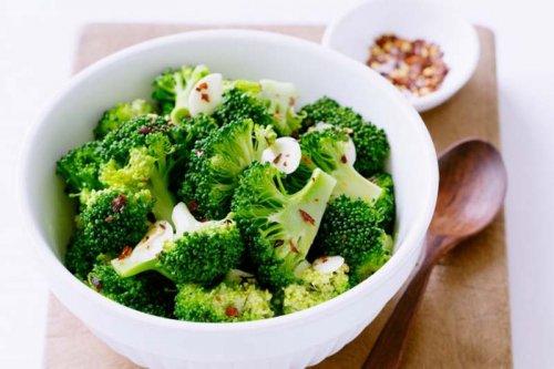Brócoli con ajo y guindilla